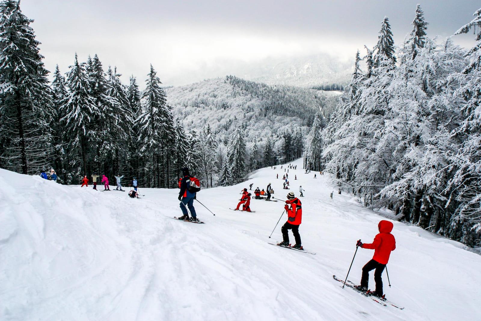 Курорт Сели, расположенный у подножья гор Фурника и Пятра Арсэ