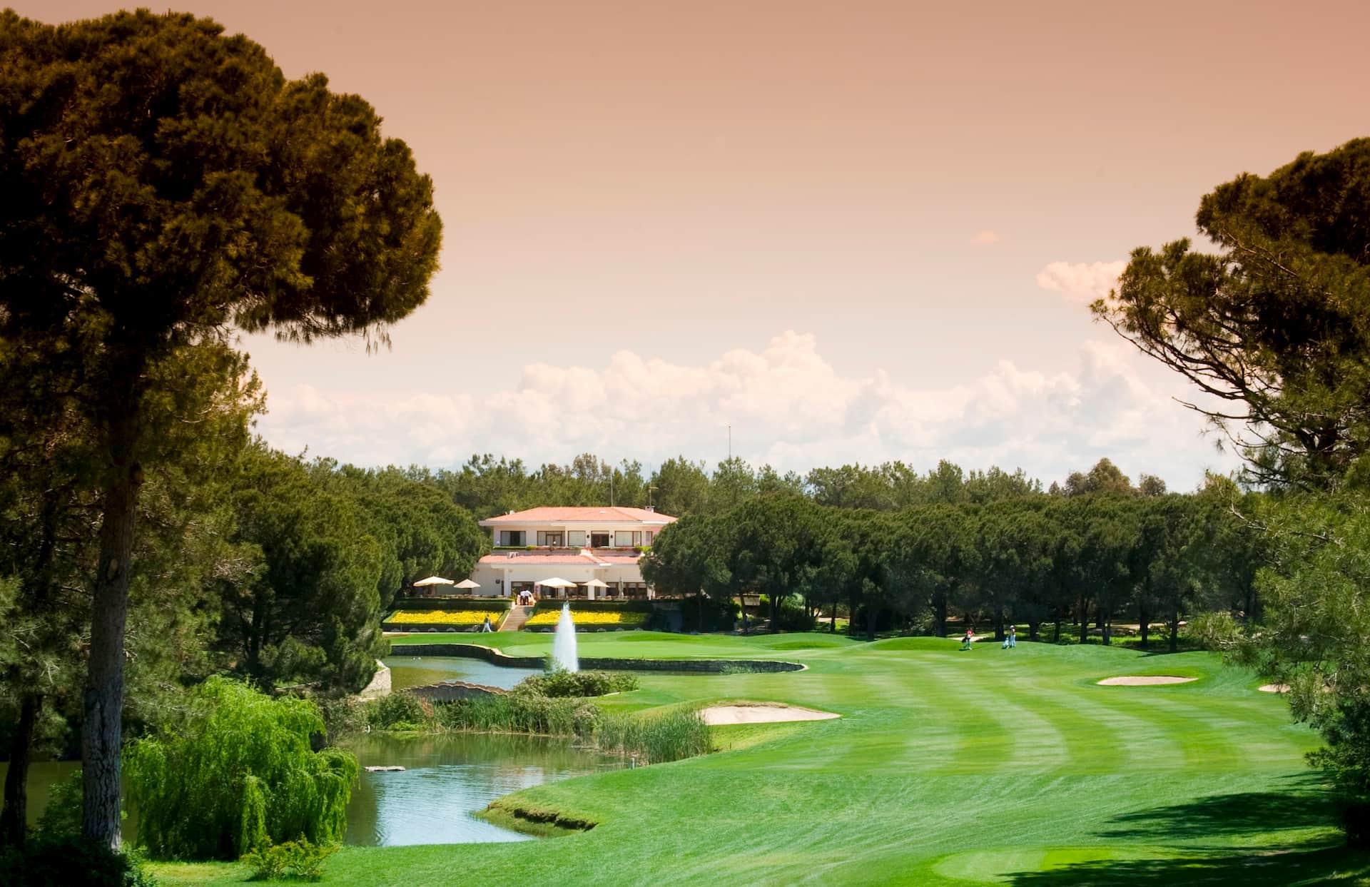 Национальный гольф-клуб в Белеке