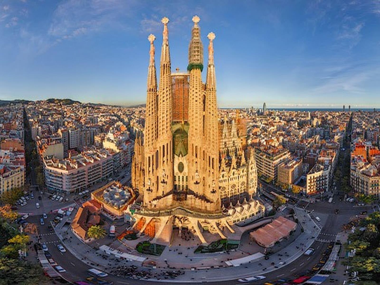 Отдых в Барселоне – особенности известного курорта, интересные места