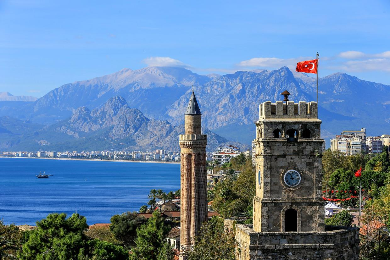 Antalya ,  город на юге Турции на берегу Средиземного моря