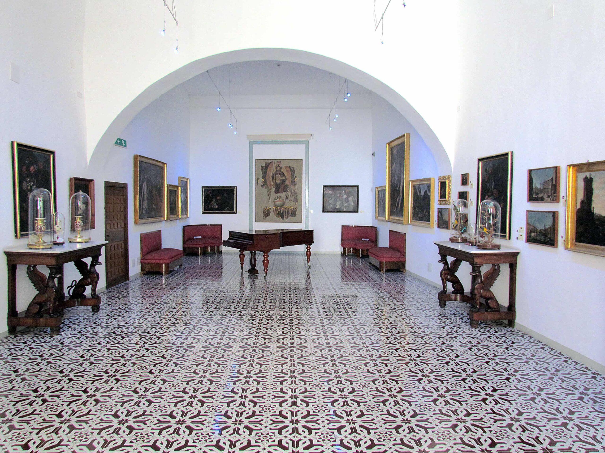 Музей Мандралиска (Museo Mandralisca) изнутри