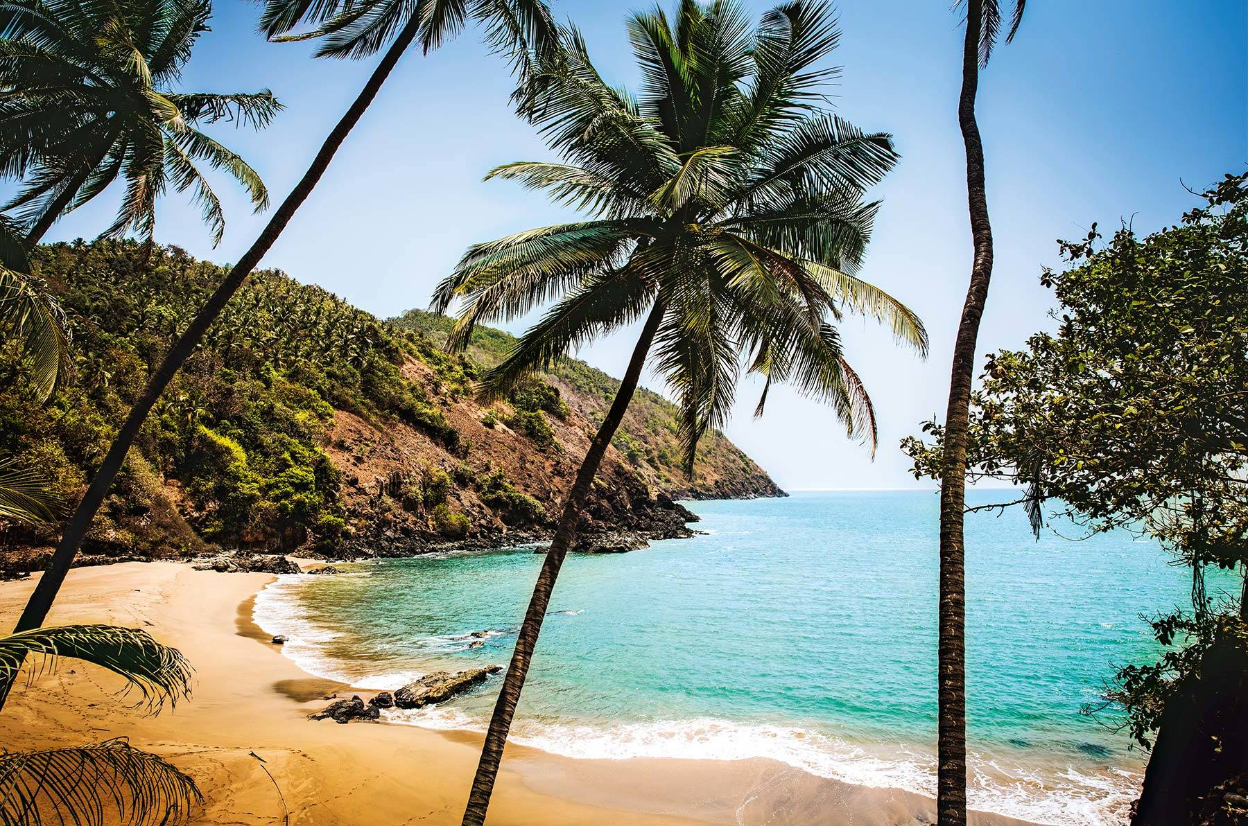Крошечный пляж Kakolem неподалеку от португальского форта Cabo de Rama
