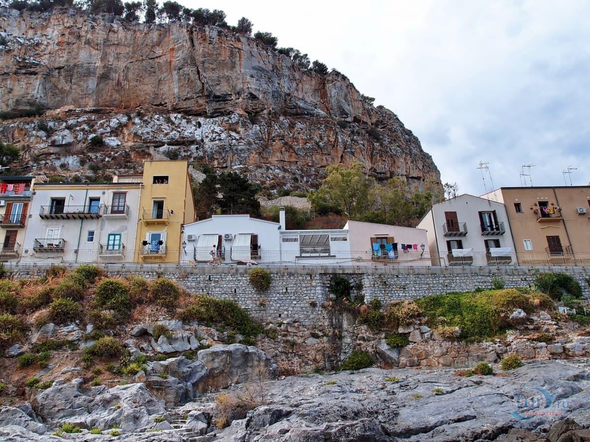 Скала Ла Рока (La Rocca)